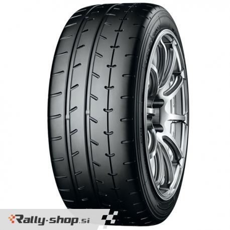 Yokohama ADVAN A052 semi slick tyre - 245/40R18 97Y
