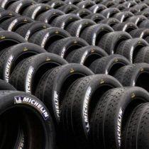 Tekmovalne pnevmatike